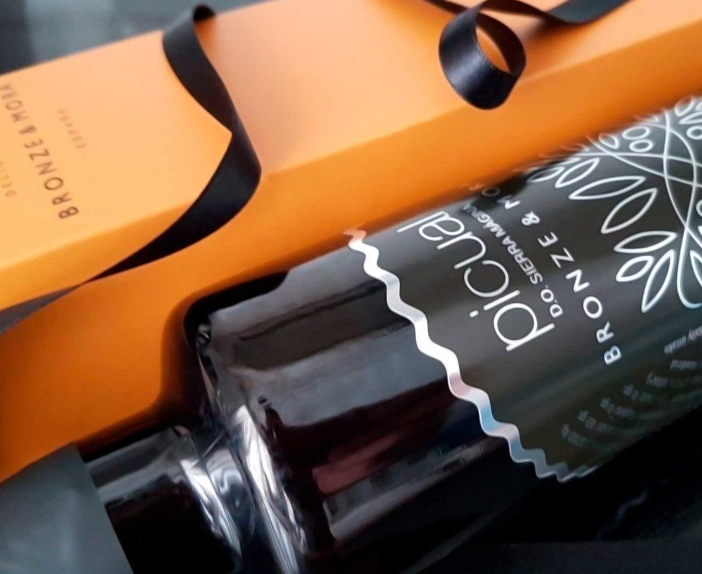 botella aceite de oliva regalo gourmet bronze y mora