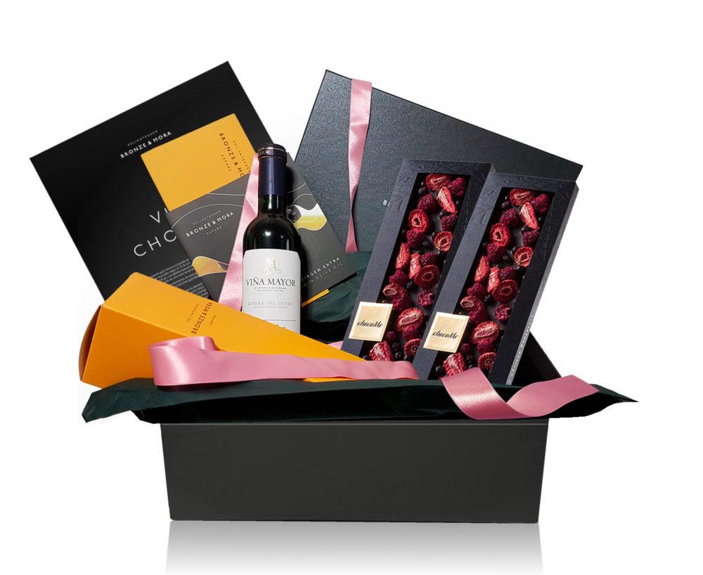cesta de chocolate con vino