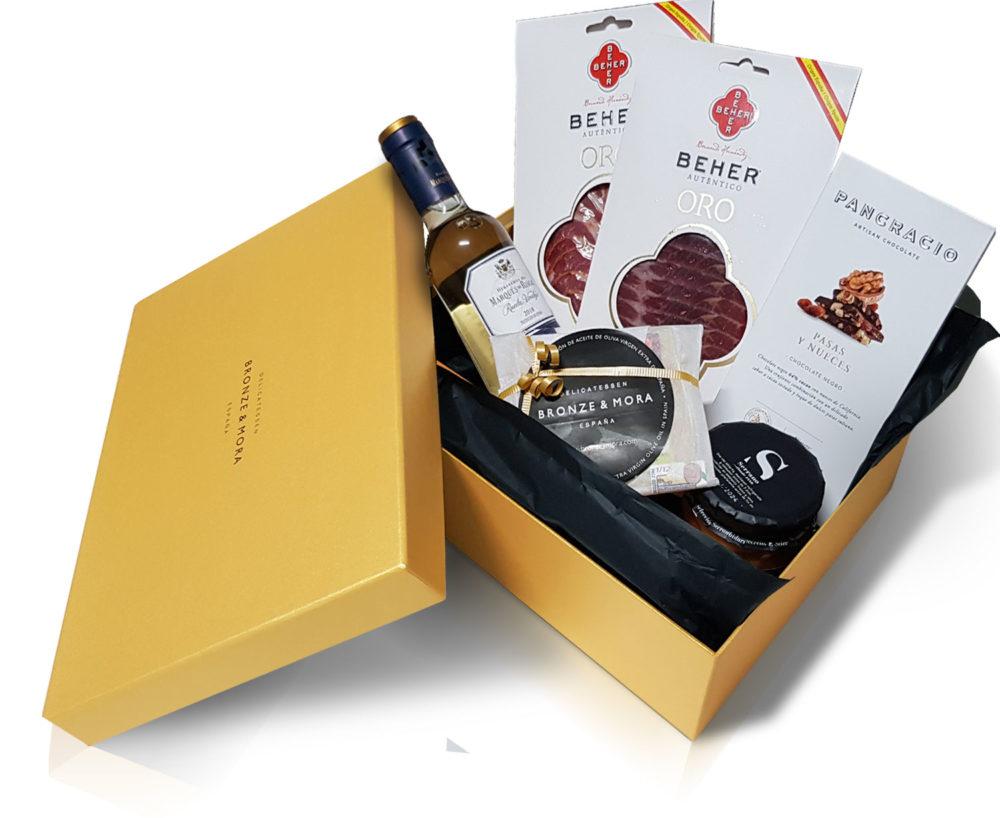 vino blanco detalle interior cesta regalo bronze y mora